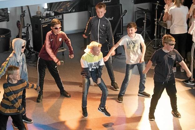 Et festligt danseindslag bidrog også til den fornøjelige aften. Foto: Allan Mortensen Allan Mortensen