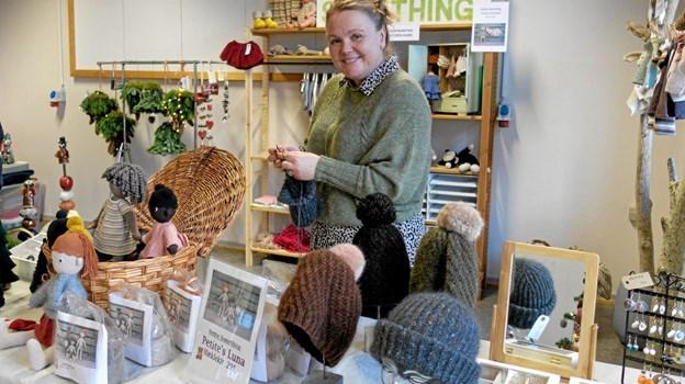 Suzi Rosschou strikkede og hæklede kreative brugsting. ?Foto: Niels Helver Niels Helver