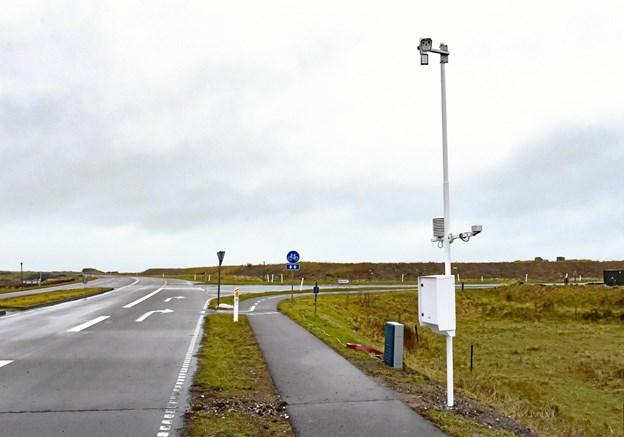 Bilister har nok bemærket den nye mast med måleinstrumenter ved krydset Kystvejen/ Kai Lindbergsgade ved syd-indfaldsvejen til Hanstholm Havn. Foto: Ole Iversen