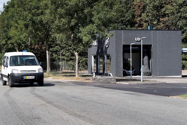 Opførelsen af vaskehallen på Grynderupvejen 1 i Nørager blev indledt i begyndelsen af maj med hjælp af lokale håndværkerfirmaer.