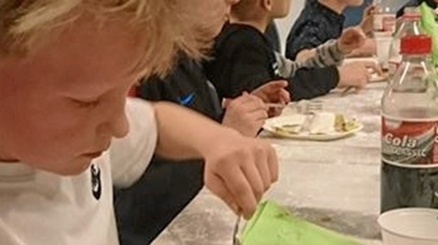 Der var masser af lækker mad til eleverne. Privatfoto