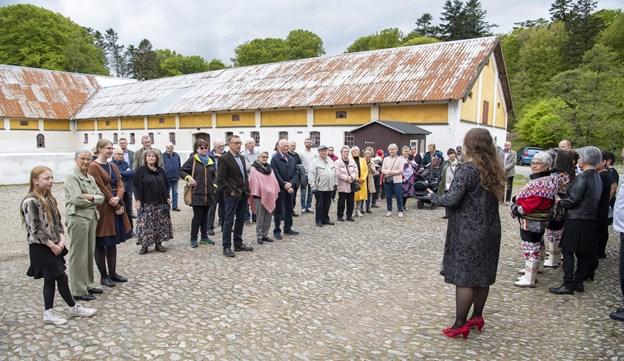 Fremmødet ved den officielle åbning var stort, og blandt de indbudte var flere lokale, der har bidraget med udlån af genstande og historier til udstillingen.Foto: Kim Dahl Hansen Foto: Kim Dahl Hansen