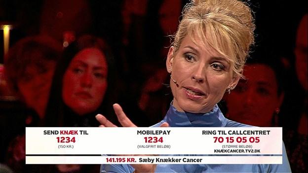Vært Cecilie Frøkjær på TV2 live indsamlingsshow, kunne hér glæde sig over Sæbys bidrag på 141.195 kroner. Foto: Privat.