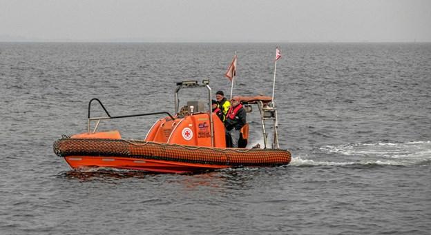 Her ses to af de nye bådførere efter endt undervisning. Foto: Mogens Lynge Mogens Lynge