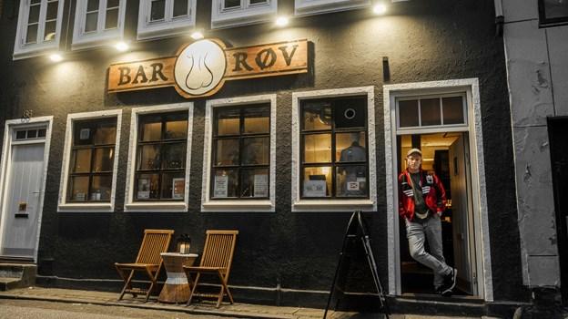 Bar Røv ligger på Vesterbro, og er stedet, hvor mange AaB'ere varmer op inden kampstart. Foto: Lasse Sand