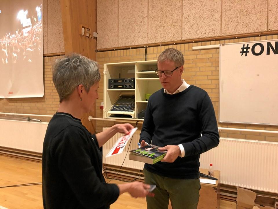 Bagefter var der mulighed for at få signeret bøger af Torbjørn Sindballe. Privatfoto