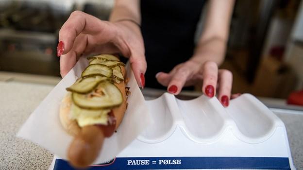 Det er nu, du skal melde dig, hvis du er god til at spise dem her. Kvalifikationen til DM i Hotdog er i gang. Arkivfoto: Nicolas Cho Meier