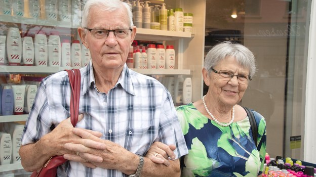 Stig og Anne Lise Olsen bor i Brovst men kommer jævnligt til Brønderslev. Foto: Henrik Louis HENRIK LOUIS