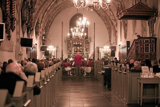 Sæbygardens Tambourkorps og Sæbygardens Harmoniorkester, har mere end 25 år spillet julen ind. Foto: Peter Jørgensen