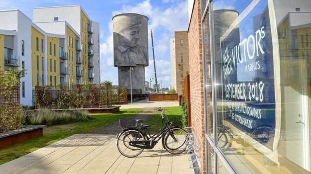 Der er næppe nogen med kendskab til Aalborg, der kan være i tvivl om, hvor Victors Madhus er placeret i Aalborg.