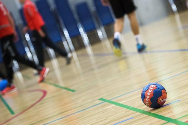 Der er akut behov for en træner til TIF98's U10 drenge og piger. I klubben håber man at finde den rette og dermed være i stand til at sikre børnenes mulighed for at kunne træne håndbold lokalt. Arkivfoto