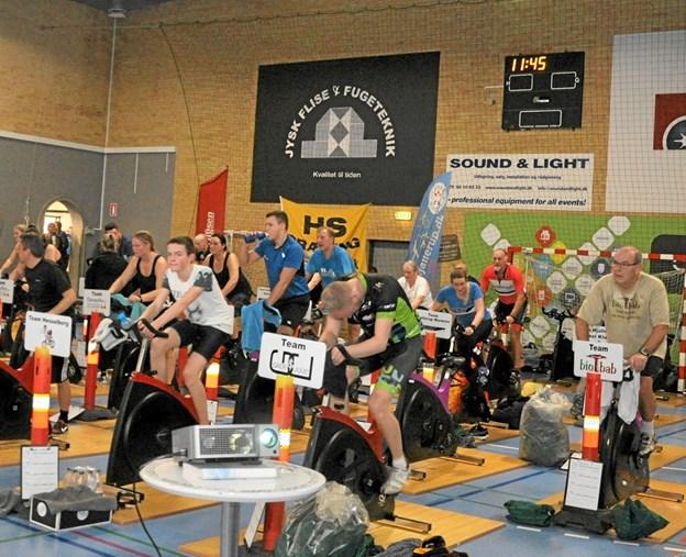 Der var i år så mange, som deltog på motionscykler, at de måtte flyttes fra lobbyen til Hal 1. Foto: Ole Torp Ole Torp