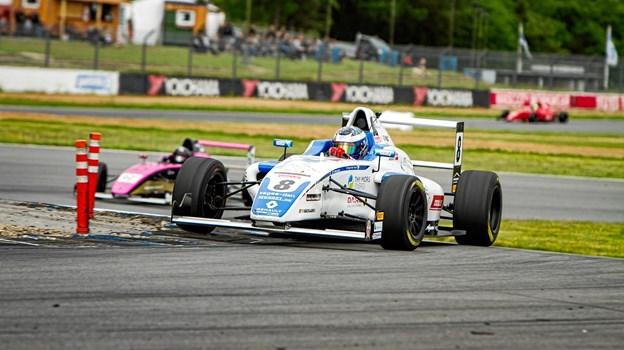 Malthe Jakobsen er tilbage i den danske Formel 4 serie og her satte han sit præg på resultaterne fra begyndelsen.Privatfoto