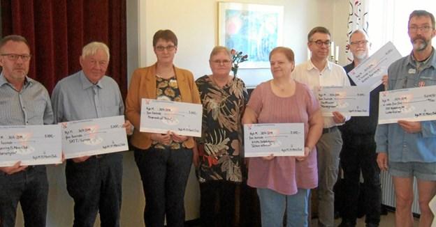 Glade modtagere af donationer fra Nykøbing Y's Mens. Privatfoto.