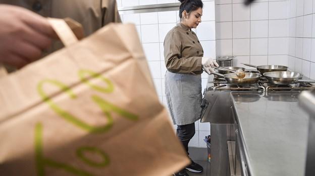 Preet Dhillon elsker at lave mad og eksperimentere i køkkenet. Foto: Michael Koch