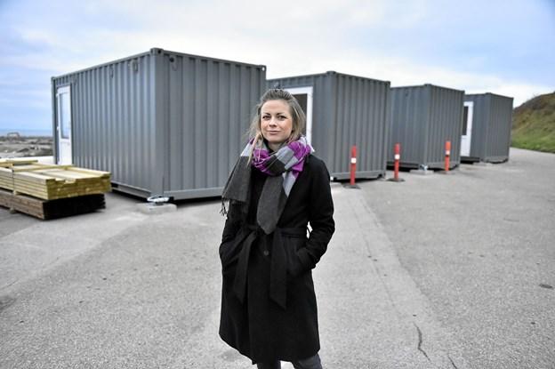 """Der er stor interesse for aktiviteterne på Hanstholm Havn. Nu får området et besøgscenter, som er første skridt mod et større """"Showroom"""" i fremtiden, fortæller Line Røge, Hanstholm Havn, koordinator for projektet. Foto: Ole Iversen Ole Iversen"""