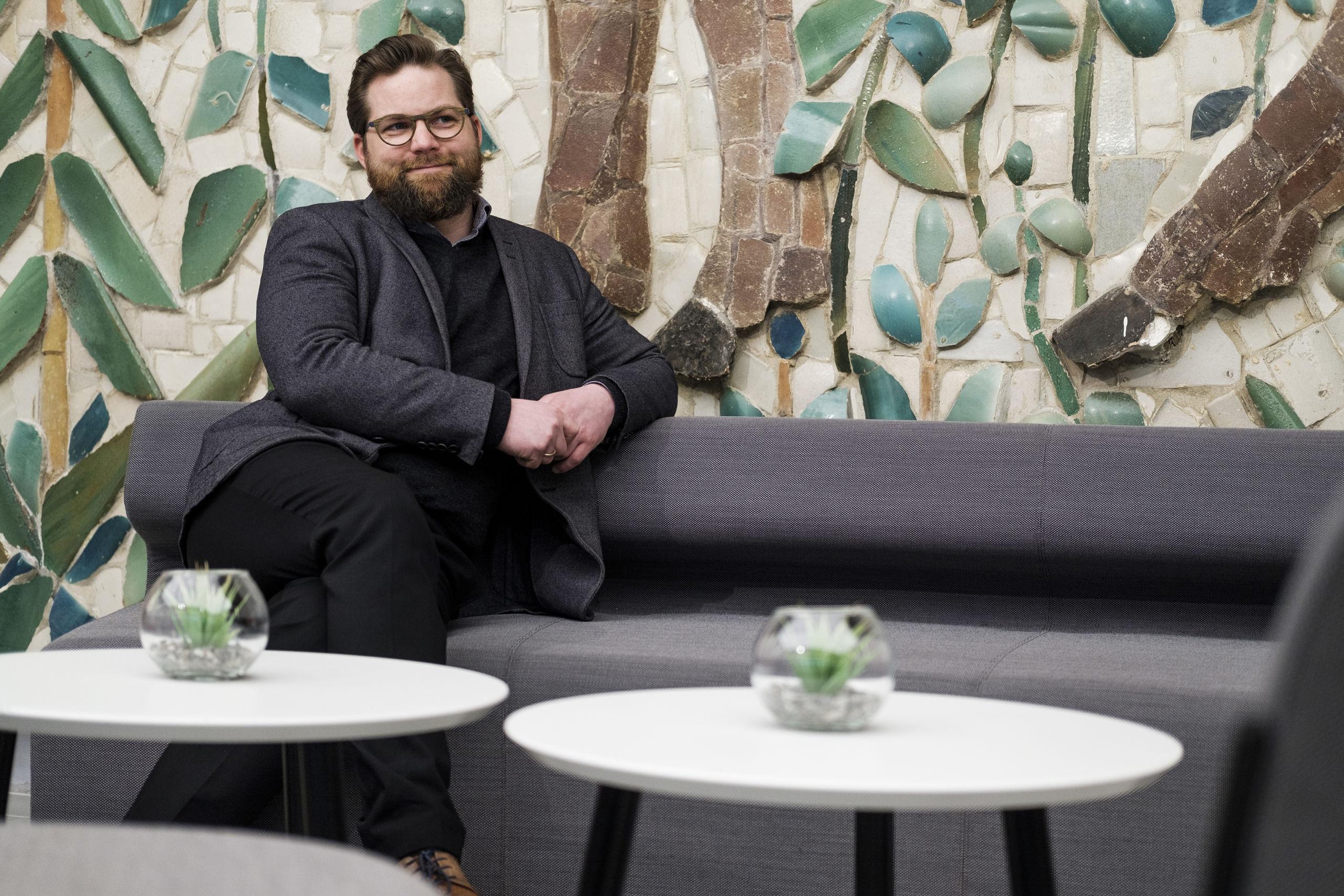 Nicolaj Holm ser lyst på Aalborgs fremtid som stor kulturby. Foto: Lasse Sand