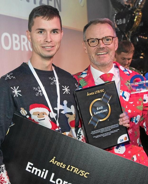 Emil Lorentzen hædres med en særlig pris - nemlig prisen som Årets Leder-trainee. Privatfoto