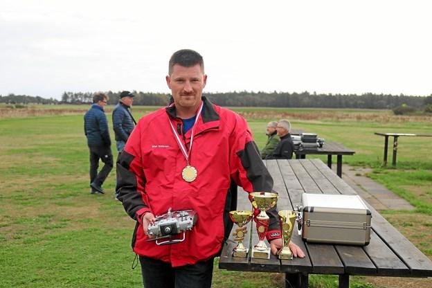 Brian Andersen fra Sæby Modelflyveklub kunne efter fire afdelinger lade sig kåre som dansk mester. Foto: Tommy Thomsen