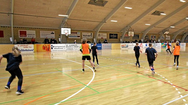 63 hold deltog i skoleturneringen i Dronninglund Hallerne, hvor der blev kæmpet hele dagen i begge haller. Foto: Jørgen Ingvardsen