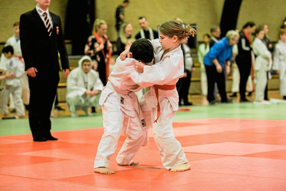 Johannes med rødt bælte i hård fight.Privatfoto
