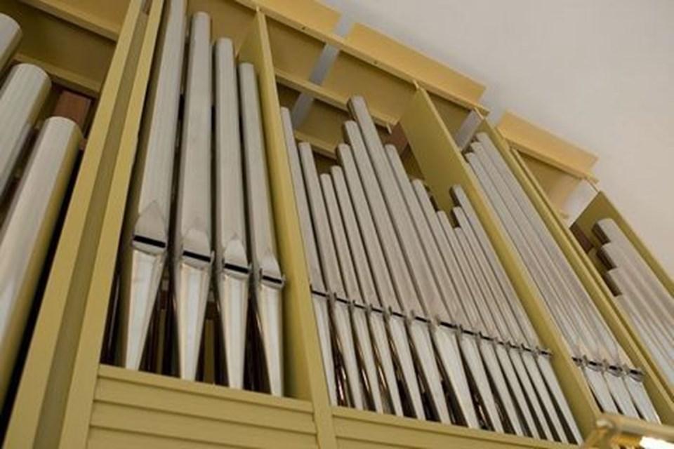 Der er stor lyd i de enorme, nye orgelpiber.