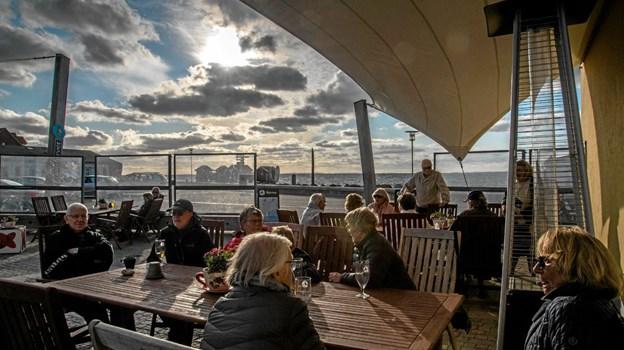 En smuk - omend noget blæsende - fredag aften på havnen i Løgstør. Foto: Mogens Lynge Mogens Lynge