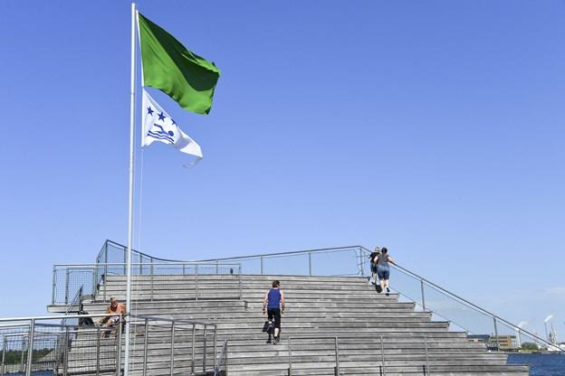 Trappeopsatsen i Aalborg Havnebad er ellers et ideelt sted at slå sig ned og nyde solen, men publikum svigter helt anlægget.