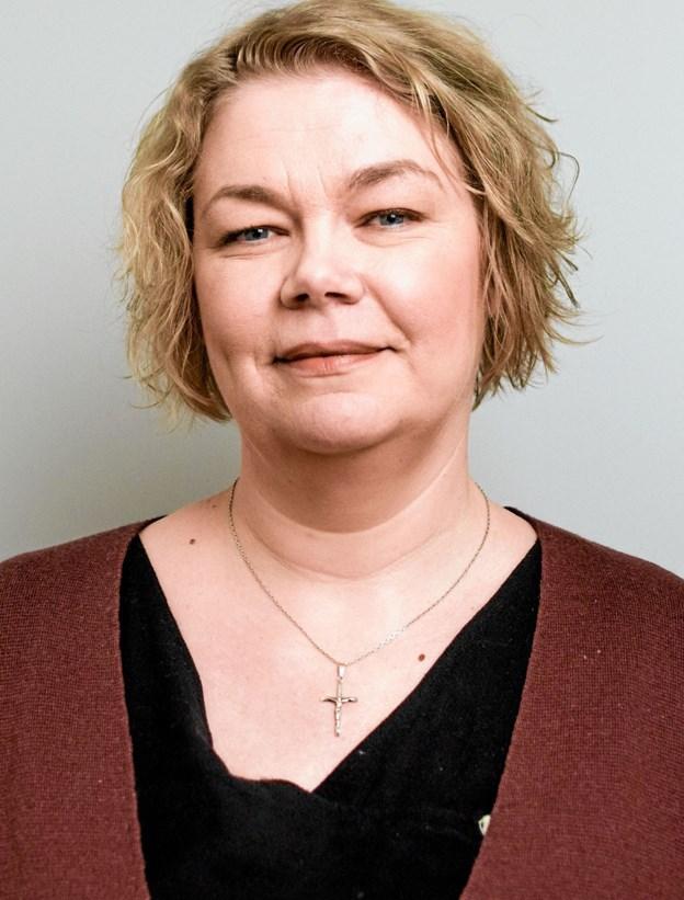 """Bibliotekar Helle Dorf zoomer ind på dramaet """"Et Dukkehjem"""" og andre værker, der minder om. Foto: Martin Jørgensen"""
