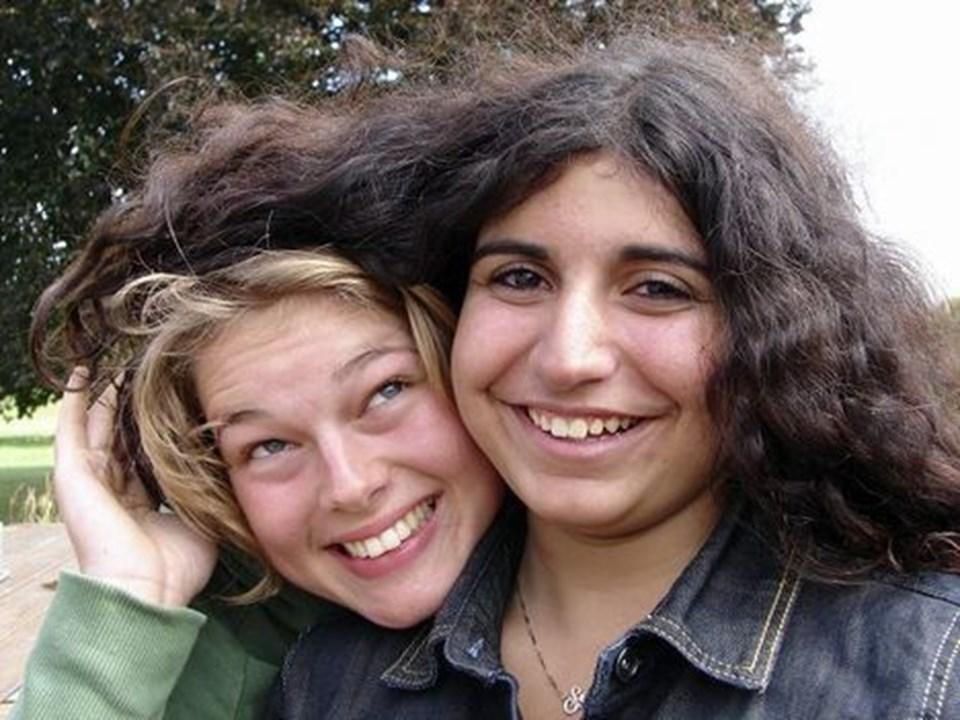 kemien mellem Susanne og Lisbeth er i top - og venskabelige drillerier og gode grin afløser hinanden. Privatfoto