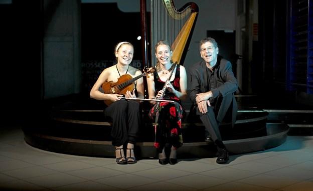 Den Jyske Harpetrio - giver 28. april koncert på Kulturstationen i Skørping. PR-foto