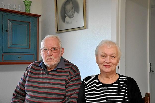 Den tidligere formand, Karl Thomsen, og den nuværende, Jane Christensen, er begge overbeviste om, at medlemmerne er gode til at slutte op om deres arrangementer. Det gælder også jubilæumsfesten. Foto: Ole Torp