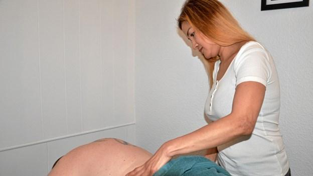 Behandlingerne er godt mod blandt andet ømme muskler, nakkespændinger, hovedpine og migræne. Foto: Jesper Bøss Jesper Bøss