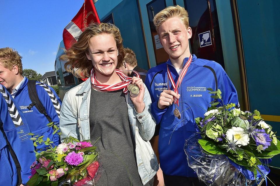 Katrine Bukh Villesen og Frederik Jessen med medaljer. Foto: Ole Iversen