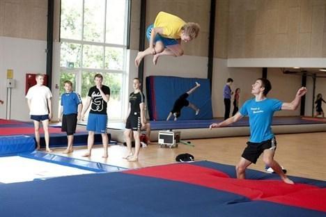 De sidste to uger har mange gymnaster benyttet faciliteterne i den nye springhal. Foto: Lars Pauli