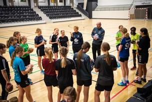 Håndboldtræner fastholder kritik af Thy hal-projekt: - De små spiller også på stor bane