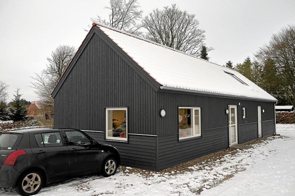 Den nye Velfærdsbygning og Sognehus på Kirkestien i Astrup blev fremvist for menigheden efter gudstjenesten i søndags. Foto: Niels Helver