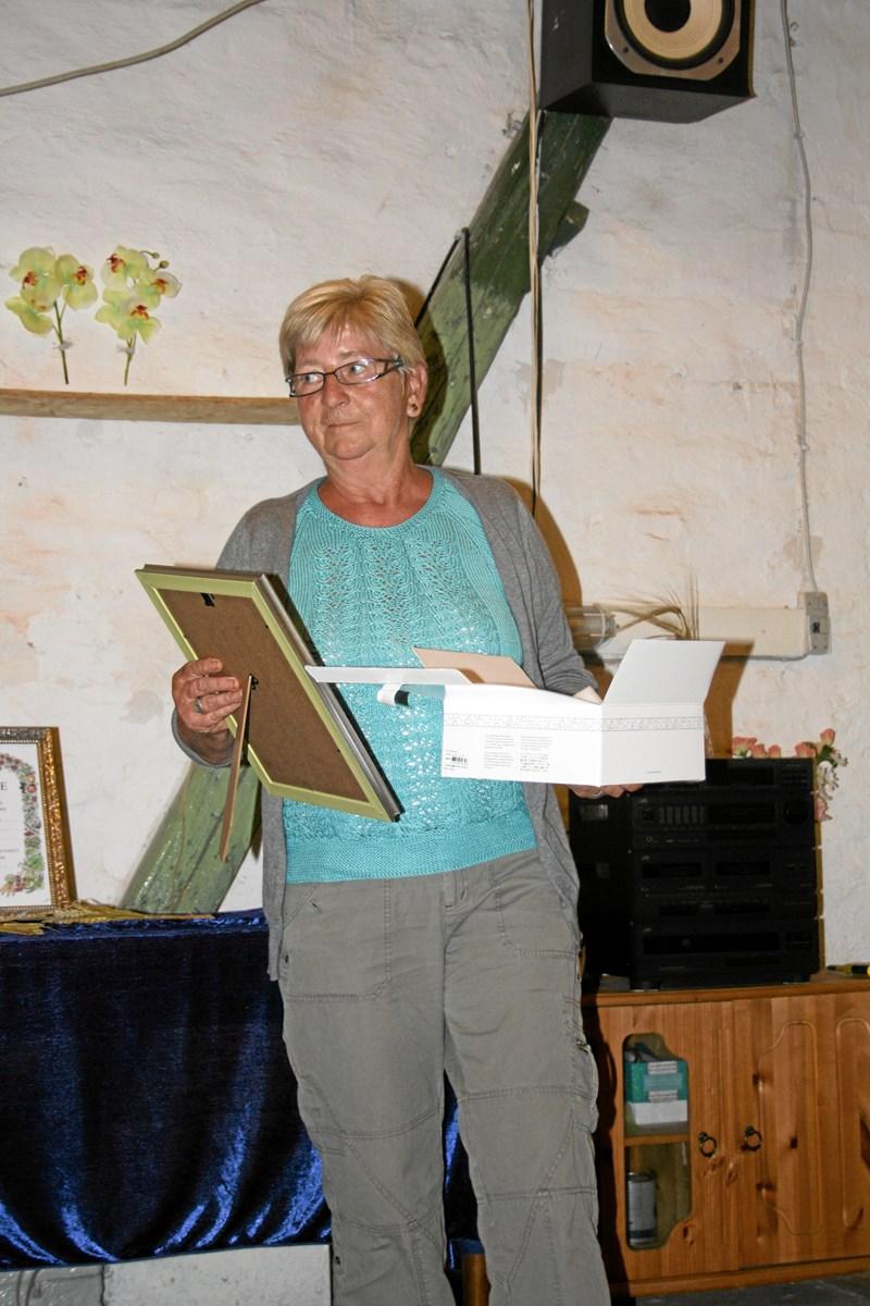 Doris Christensen fik forbundets ærespræmie. Privatfoto