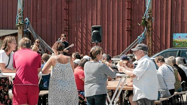 Efter startskuddet var Wonderland Band klar på scenen. Foto: Peter Jørgensen Peter Jørgensen