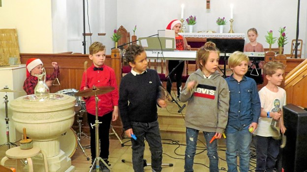 Sang, spil og bevægelse for de mindste. Foto: Kirsten Olsen
