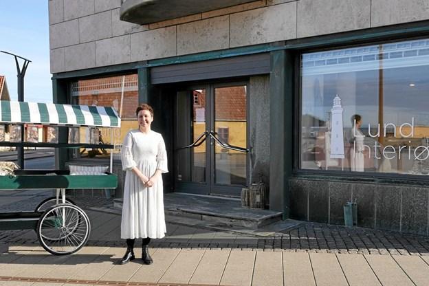 Kristina Ølgaard Johansen var klar til at åbne dørene til Lund Interiør for første gang fredag 1. marts. Foto: Peter Jørgensen Peter Jørgensen