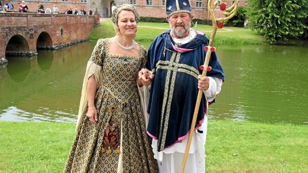 Biskop Stygge Krumpen og Jomfru Elsebeth Gyldenstjerne vandrede rundt blandt folket. Foto: Jørgen Ingvardsen Jørgen Ingvardsen