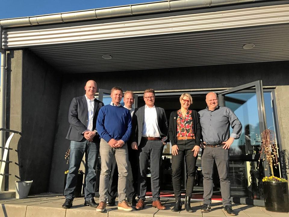 Fyraftensmødet bød på oplæg fra Flemming Madsen, direktør ved Karl Jensen, Charles Zacho, varehuschef ved Føtex Hobro, Frederik Bach Nielsen, produktionschef ved JKF Industri og Kirsten Vibjerg, viceskoleleder ved Arden Skole.