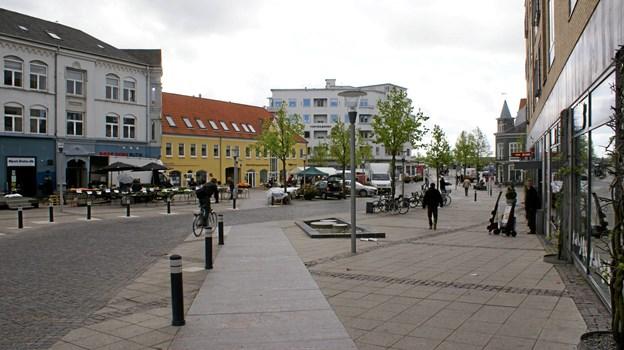 Butikker og virksomheder i Nørresundby får nu tilbud om et fælles gavekort. Arkivfoto