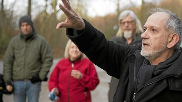 Klem Thomsen gav deltagerne et indblik i geologien bag det bakkede landskab. Foto: Allan Mortensen Allan Mortensen