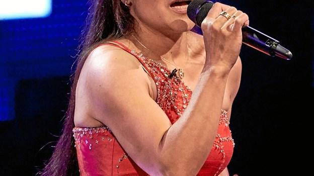 Gina - synger på Store Torv i Hobro lørdag 27. april klokken 10.