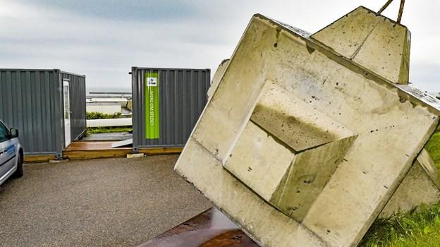 Man får også mulighed for at se og røre de byggeklodser den nye havn er lavet af. Foto: Ole Iversen Ole Iversen