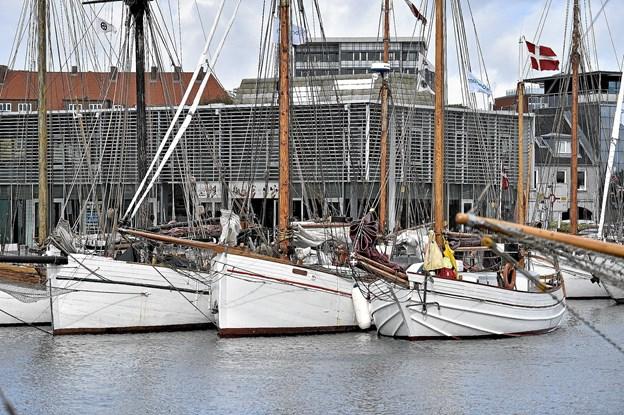 De hvide skibe lagde sig ved Havnetorvet.Foto: Ole Iversen