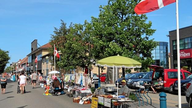 Loppefolket er i høj grad med til at skabe både hygge og markedsstemning i handelsbyen.