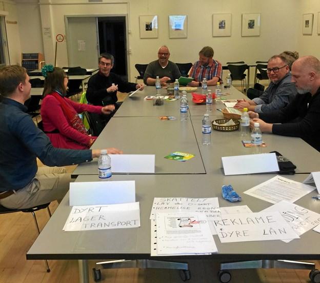 Hobro Bibliotek lagde lokaler til et møde, hvor Oxfam IBIS diskuterede skattelyfrihed. Privatfoto